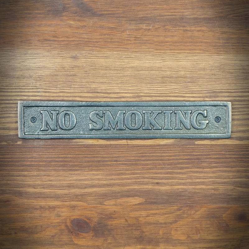 retro emblemat no smoking
