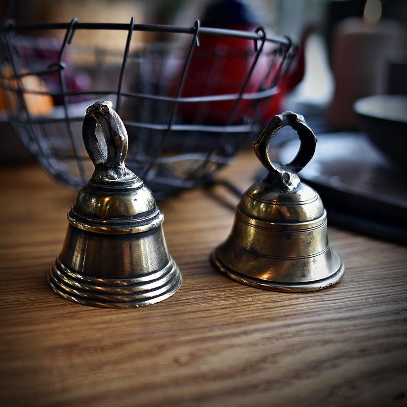 Mosiężny dzwonek