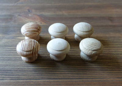 Gałka meblowa drewniana BUK