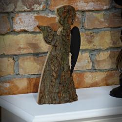 Drewniany Anioł z kory
