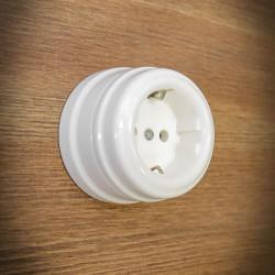 ceramiczne gniazdko natynkowe