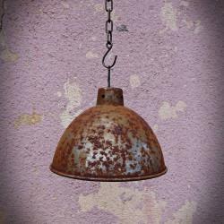 rdzewiony klosz do lamp