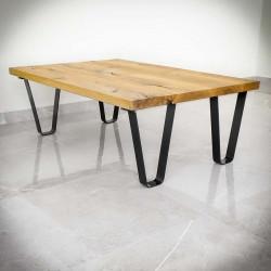mały stolik z metalowymi nogami