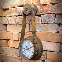 rdzewiony zegar ścienny