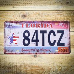 Retro tablica rejestracyjna z USA 84TCZ