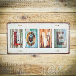 tabliczk z napisem LOVE