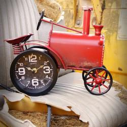 metalowy zegar