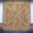 drzwi przesuwne z drewna sosnowego