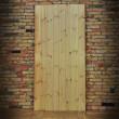 drzwi z litego drewna sosnowego