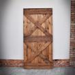 drzwi sosnowe brązowe