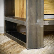 masywna noga metalowa regału loft