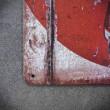 metalowe tabliczki z napisami
