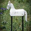 koń wysoki z drewna
