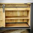 półka w komodzie loftowej