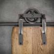 prowadnice do drzwi drewnianych