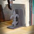 żeliwna podpórka książek