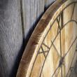 sosnowy zegar ścienny