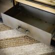 szafka z metalową szufladą