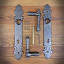 klamka do drzwi żeliwna