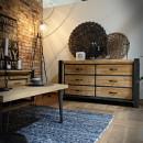 meble do loftowego wnętrza komoda drewniana i metalowa