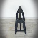 metalowa noga kobyłka starodawna