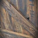 Szczegóły na deskach sosnowych drzwi 2xZ
