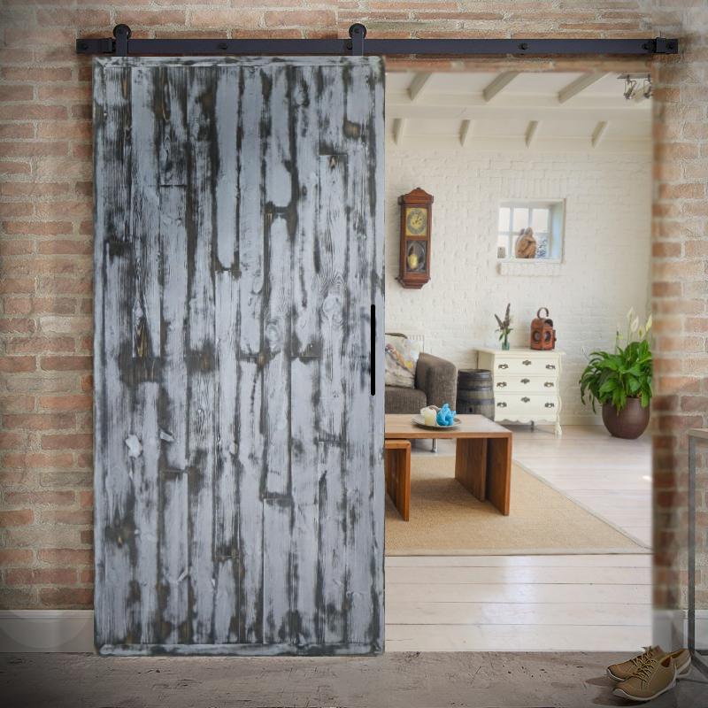 Drzwi drewniane w stylu jodełkowym