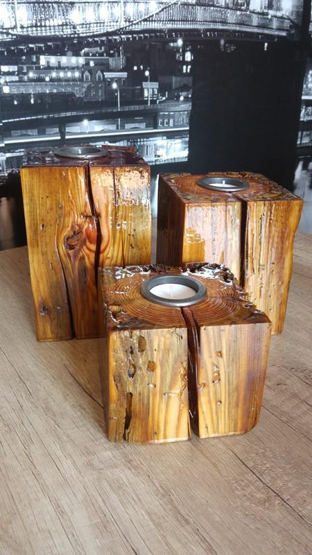 Świeczniki ze 100-letniego drewna