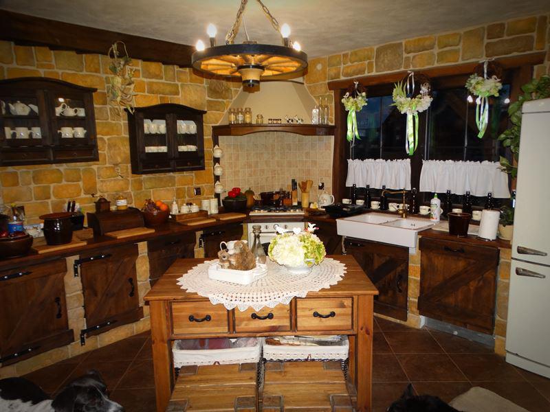 Wyspa kuchenna z retro okuciami