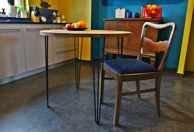Stylowy stolik na nogach z pręta