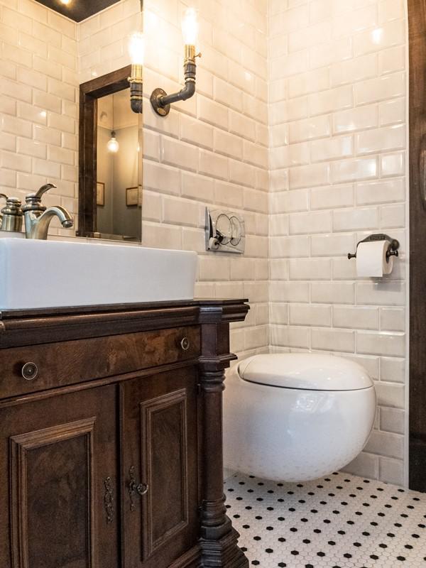 Łazienka z mocnymi akcentami rustykalnymi