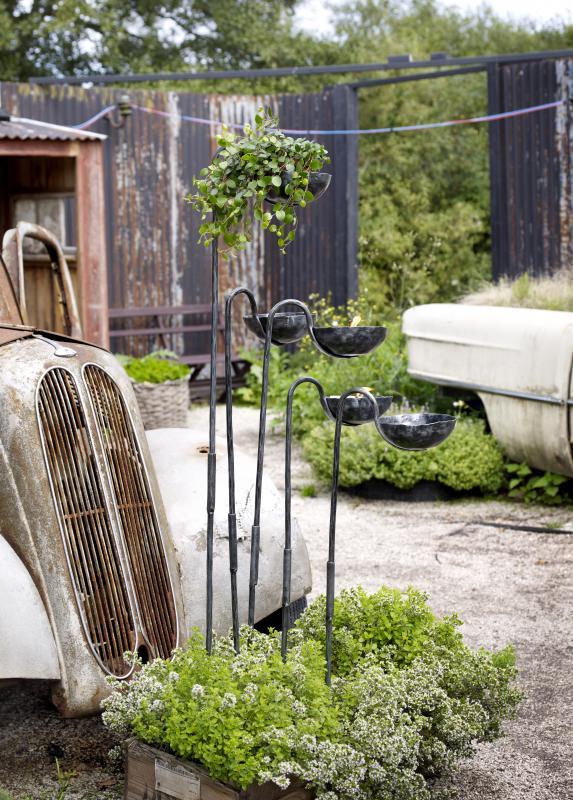 Świecznik ogrodowy w starym stylu
