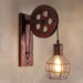 Kinkiety ścienne czy lampy stojące?