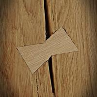 łączniki w drewnie dębowym